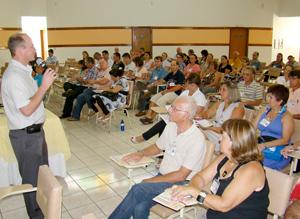 Representantes das paróquias e coordenação diocesana da Pastoral Familiar de Palmas