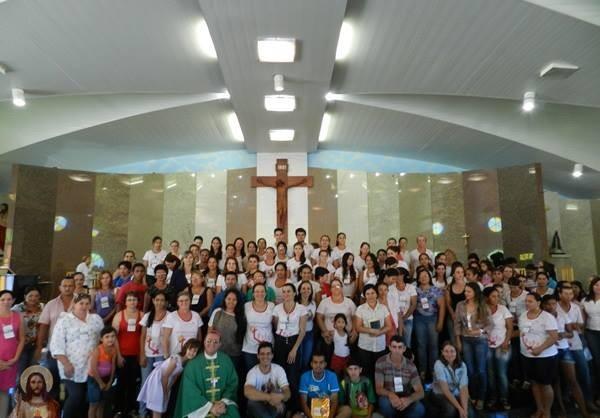 """""""Catequese e Família"""" é tema de encontro na Diocese de Juína"""