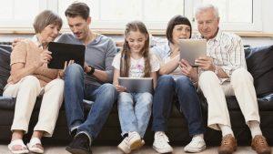 familia-nas-redes-sociais-min