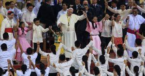 papa_francisco_e_as_criancas_filipinas