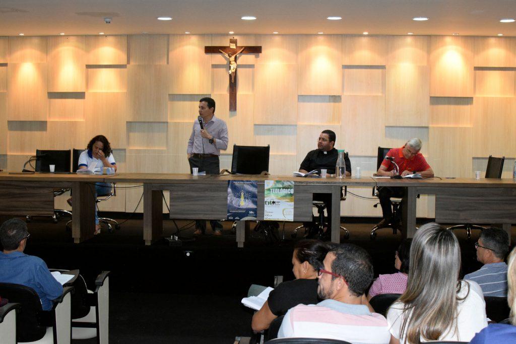 Formação foi conduzida pelo Assessor Nacional da Comissão Vida e Família da CNBB Padre Crispim Guimarães. Foto: Tómaz Alves/CNPF