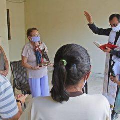 Paróquia de PE promove visitas missionárias com imagem da Sagrada Família